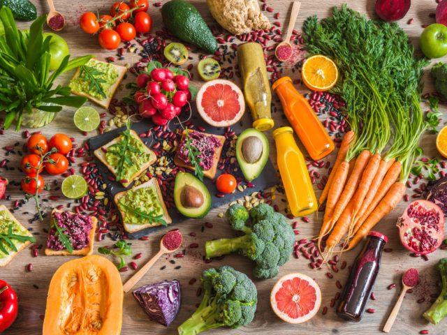 Dieta vegana: benefici e le controindicazioni